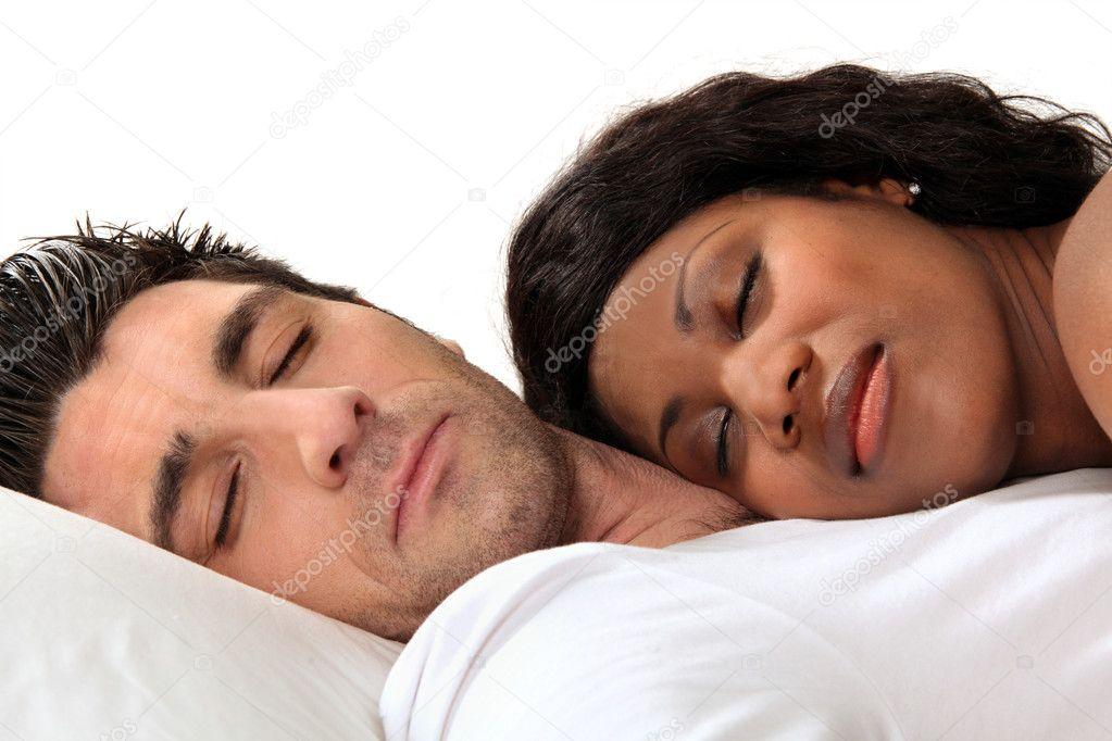 http://static7.depositphotos.com/1192060/778/i/950/depositphotos_7788684-Woman-sleeping-on-her-husbands-chest.jpg