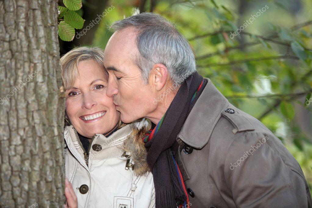 Dating älterer weißer Mann 4chan Flächencode-Haken