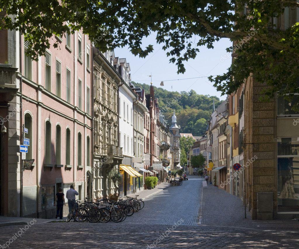 scenario di strada di freiburg im breisgau foto stock prill 7327265. Black Bedroom Furniture Sets. Home Design Ideas