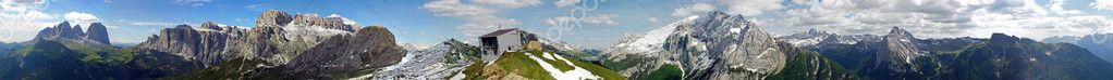 360 ° views of the Dolomites in Val di Fassa