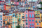 barevné domy v provence vesnice menton