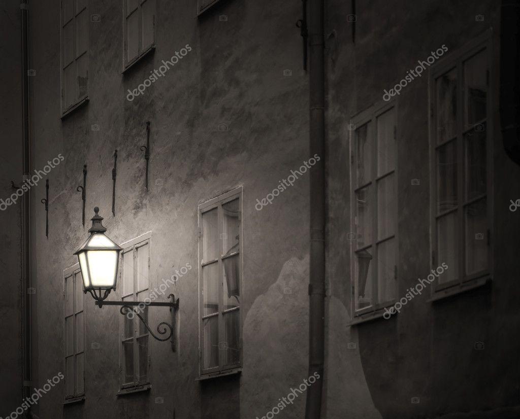 Фотообои Ancient building with lantern