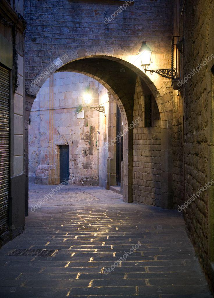 Фотообои Narrow street in Barcelona