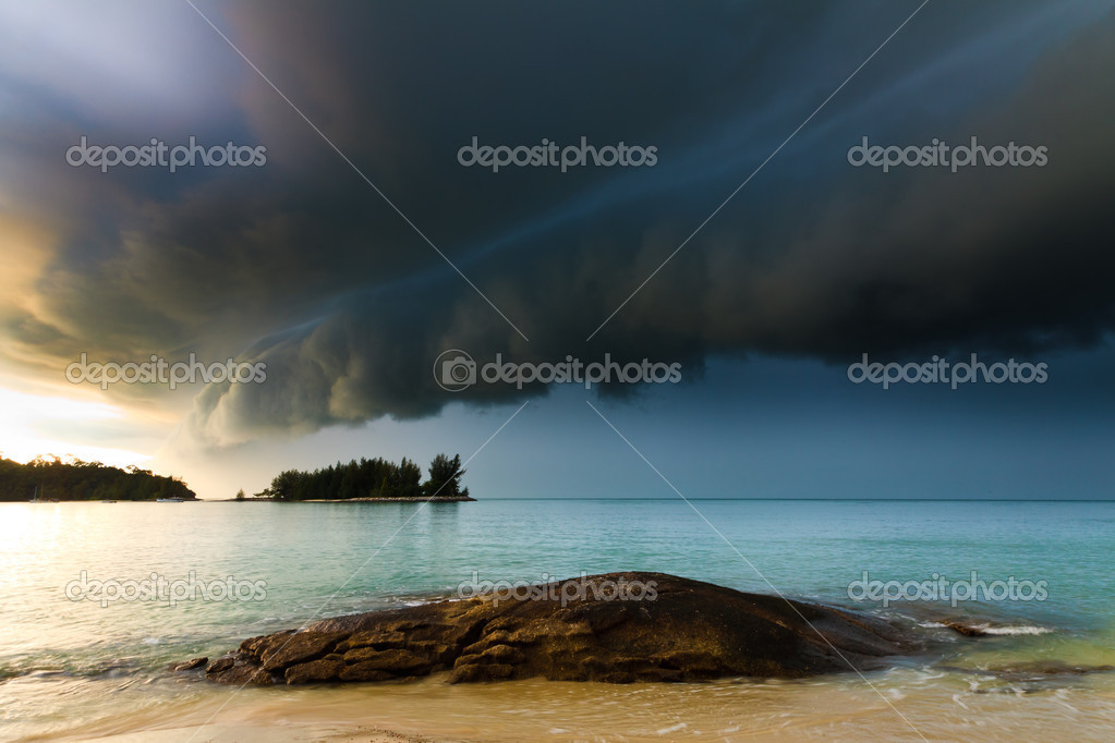 Thunder storm approaching the beach