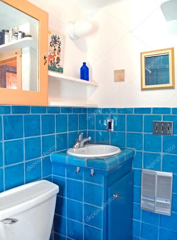 türkiz csempe munka a fürdőszobában — Stock Fotó © MonaMakela #7524512