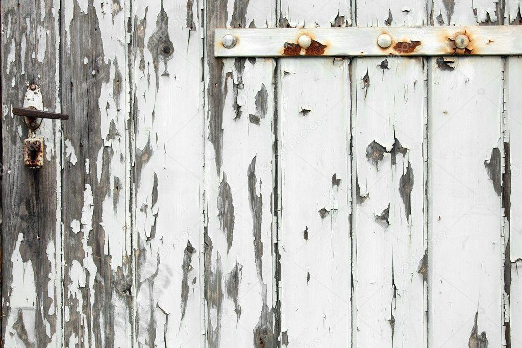 vieille porte en bois avec peinture caill e photographie ahavelaar 7888226. Black Bedroom Furniture Sets. Home Design Ideas