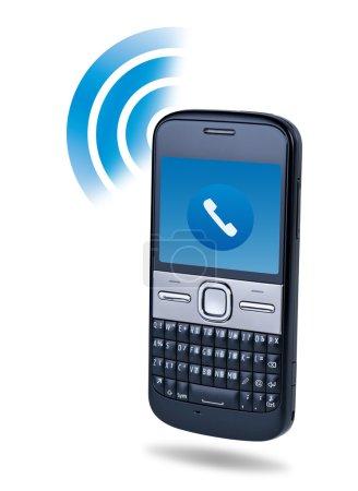 Photo pour Concept de technologie de connexion de téléphone portable sur fond blanc . - image libre de droit