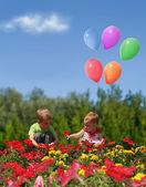 niños con flores y globos collage