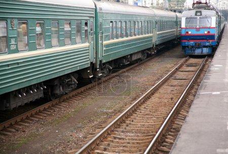 Photo pour Arrivée des trains - image libre de droit