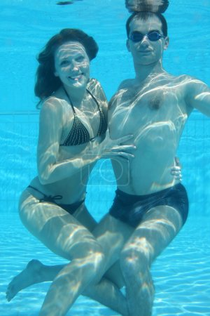 Underwater couple