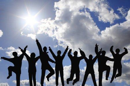 Photo pour Succès businessteam sur ciel - image libre de droit