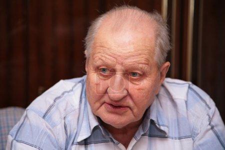 Photo pour Homme âgé - image libre de droit