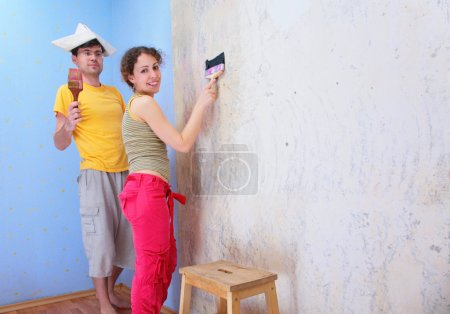 Couple repair room