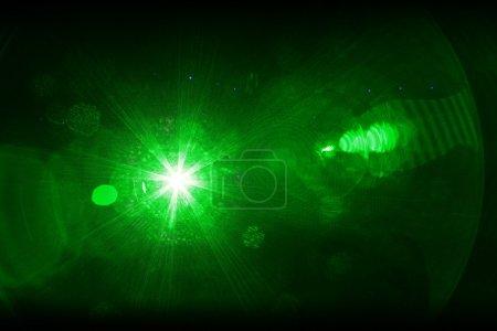 Photo pour Lumière laser vert - image libre de droit