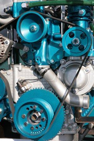Photo pour Vue détaillée des engrenages d'une machine, photo verticale - image libre de droit