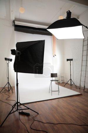 Photo pour Studio photographique intérieur - image libre de droit