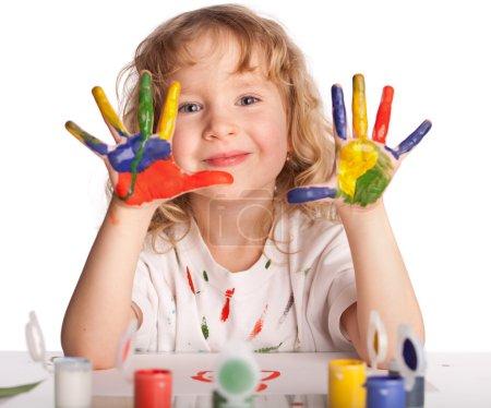 Photo pour Petit enfant, dessine de la peinture. Isolé sur blanc - image libre de droit