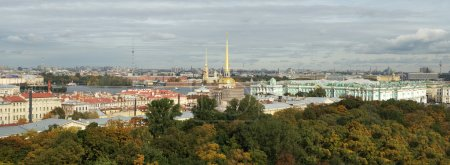 Panorama to Admiralty and Winter palace