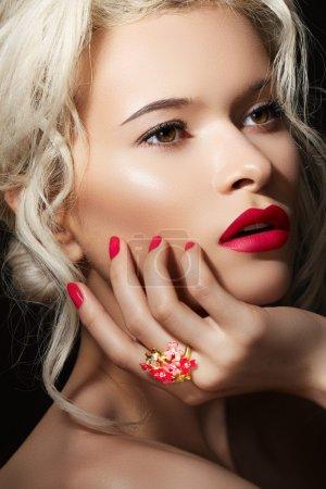 Wellness, cosmetics and romantic retro style. Close-up portrait