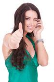 femme parlant par téléphone cellulaire
