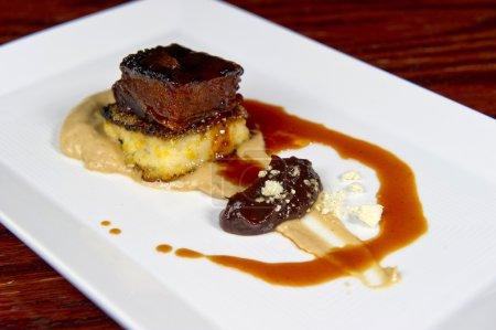 Photo pour Image d'un plat de porc très bien préparés - image libre de droit