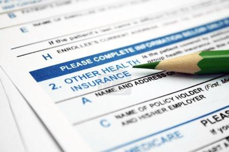 Photo pour Formulaire d'assurance maladie - image libre de droit