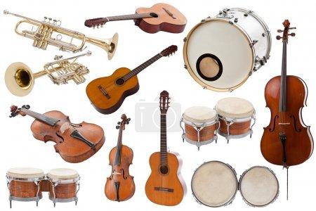 Photo pour Collection d'instruments de musique sur fond blanc - image libre de droit