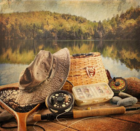Fly fishing equipment with vintage look