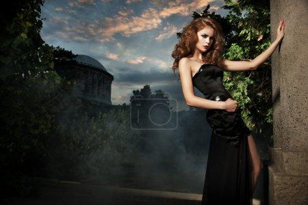 Foto de Mujer sexy elegante jardín - Imagen libre de derechos