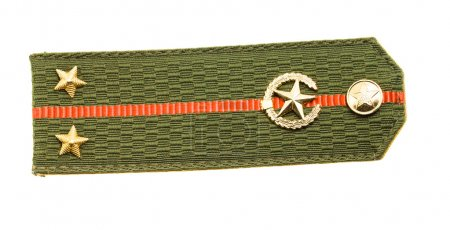 Photo pour Épaulettes verts du lieutenant de l'armée (il est isolé sur fond blanc, les épaulettes de l'armée du Bélarus) - image libre de droit
