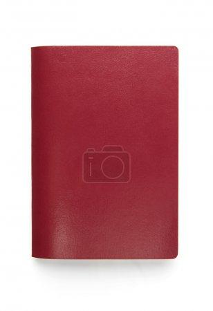 Photo pour Passeport rouge vierge isolé sur fond blanc - image libre de droit