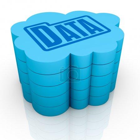 Photo pour Un gros nuage avec une icône de dossier données sur le dessus, le concept de stockage de données à distance (rendu 3d) - image libre de droit