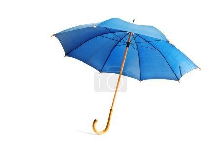 Photo pour Parapluie bleu isolé sur blanc - image libre de droit