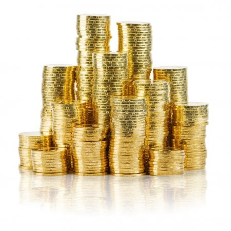 Photo pour Pile de pièces d'or isolé sur blanc - image libre de droit