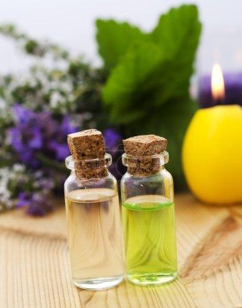 Photo pour Huile de parfum pour spa - image libre de droit