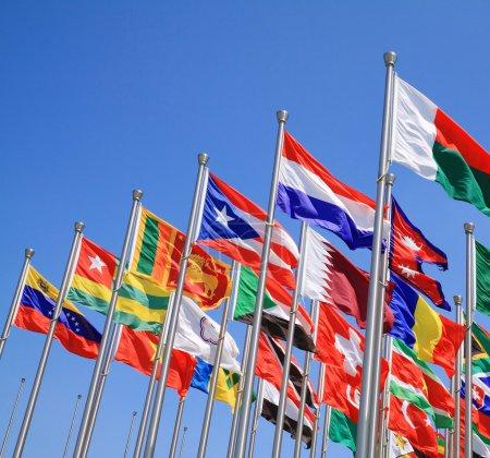 Photo pour Les drapeaux nationaux du monde entier - image libre de droit