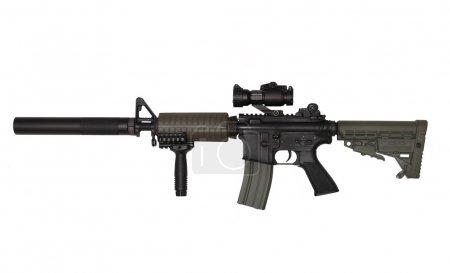 Photo pour M4A1 fusil sur mesure pour les entrepreneurs paramilitaires. Isolé sur fond blanc. Plan studio . - image libre de droit