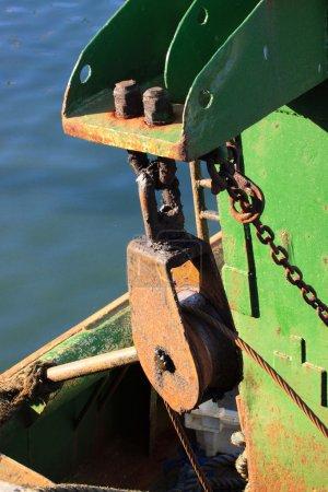 Photo pour Détails d'un vieux bateau de pêche, un chalutier - image libre de droit