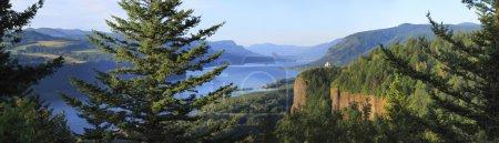The Columbia River Gorge & Vista house, panorama.