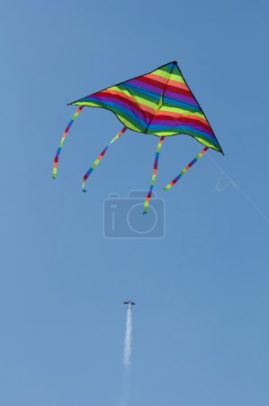 Kite and aircraft
