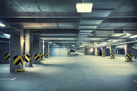 Photo pour Parking souterrain - image libre de droit