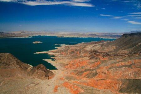 Foto de La construcción de la presa se produjo desde 1931 hasta su finalización en 1935. bloqueando el río colorado creó dos lagos, el primero siendo lago mead en 1935 una - Imagen libre de derechos