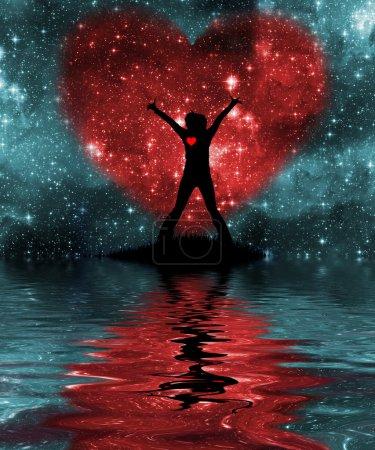 Photo pour Personne contre le ciel étoilé avec une silhouette de coeur, se reflètent dans l'eau - image libre de droit