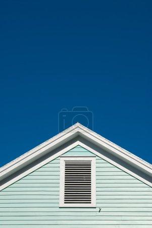 Symmetric roof gable