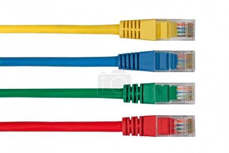 Cuatro cables de red multicolores