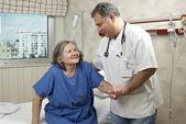 Nemocniční lékař a pacient