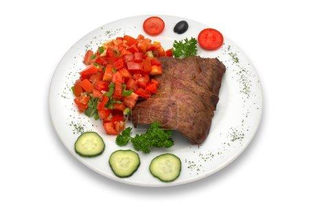 Photo pour Filet de veau grillé avec salade de légumes . - image libre de droit